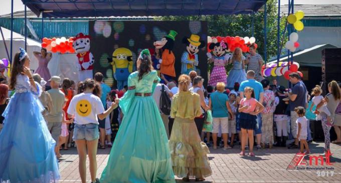 """Primarul Matei Cristian: """"Toți copiii dar și toți cei care poartă copilăria în suflet sunt așteptați azi, de la ora 11.00, în Parcul Central"""""""