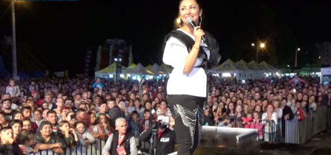 "VIDEO- ANDRA, acasă la Câmpia Turzii: ""M-ati facut sa ma simt iubita si abia astept sa ma reintorc!"""
