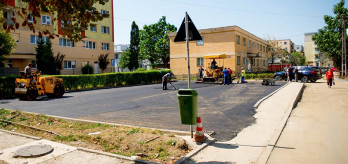 Parcarea de pe strada Nuferilor a fost asfaltată! Vezi ce zonă urmează să fie reabilitată în această săptămână: