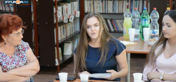 """VIDEO: Ziua Limbii Române a fost sărbătorită și la Biblioteca Municipală """"Astra"""" din Câmpia Turzii"""