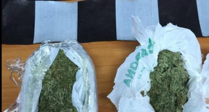 Polițiștii de la antidrog au surprins un bărbat din Câmpia Turzii care ridica un colet ce conținea cannabis și MDMA