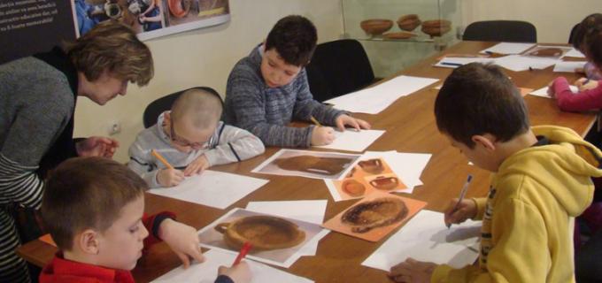 Muzeul de Istorie Turda vine în sprijinul elevilor cu o oferta educațională atractivă și non-formală