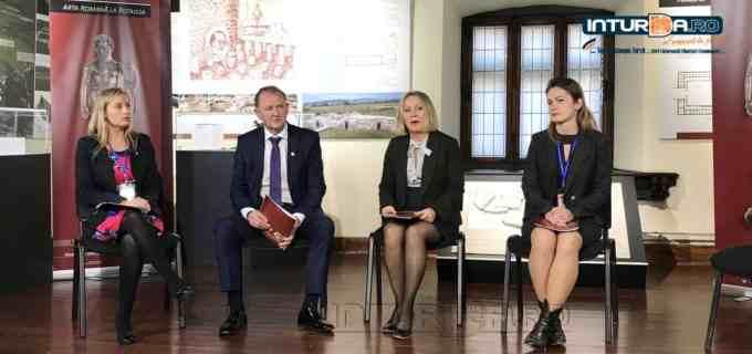 """VIDEO: Conferință de presă la Muzeul de Istorie Turda.  Turdenii sunt invitați la inaugurarea expoziției """"Arta romană la Potaissa!"""