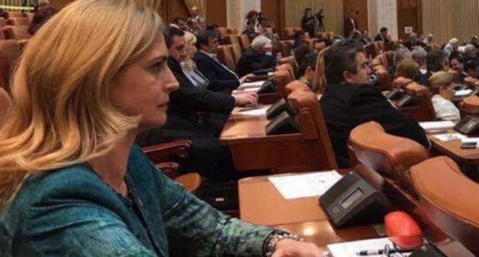 Deputatul PSD Cristina Burciu, informată de ministrul Muncii, Lia-Olguţa Vasilescu