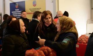 """Burciu Cristina: """"Jos pălăria în faţa româncelor de la ţară!"""""""
