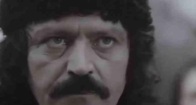 """Colectivul Teatrului """"Aureliu Manea"""", cu durere în suflet, anunță trecerea în neființă a lui Mircea Cosma"""