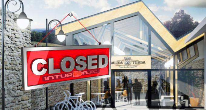 Accesul turiștilor prin intrarea veche a Salinei Turda va fi închis!