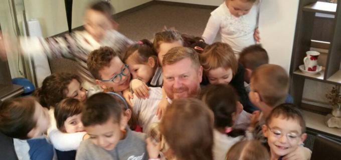 "Foto: Dorin Lojigan a primit astăzi vizita copiilor de la Grădinița cu program prelungit ""Pinocchio"""