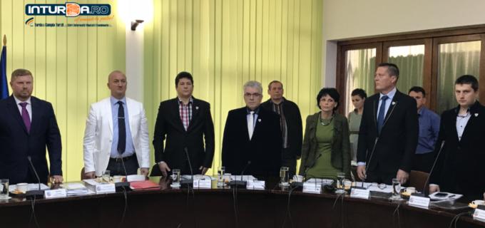 Proiect de hotărâre privind stabilirea impozitelor si taxelor locale pentru anul 2018. Vezi aici ordinea de zi completă a ședinței ordinare a Consiliului Local Câmpia Turzii.