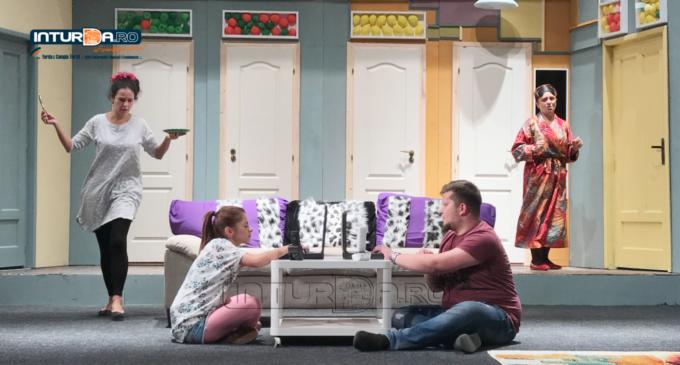 """Super comedie la Teatrul """"Aureliu Manea"""" Turda. Cristian Ioan:  """"Așteptăm publicul turdean să vină, vor râde în hohote 2 ore!"""""""