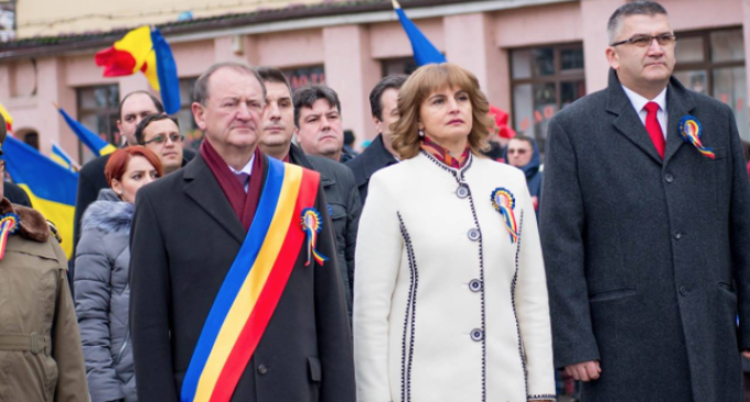 Foto – 1 Decembrie la Turda. Matei Cristian: A venit ziua în care spunem din suflet şi răspicat: LA MULȚI ANI, ROMÂNIA! La mulți ani, tării noastre iubite!