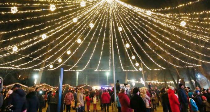Când se aprind luminițele de Crăciun în Turda?