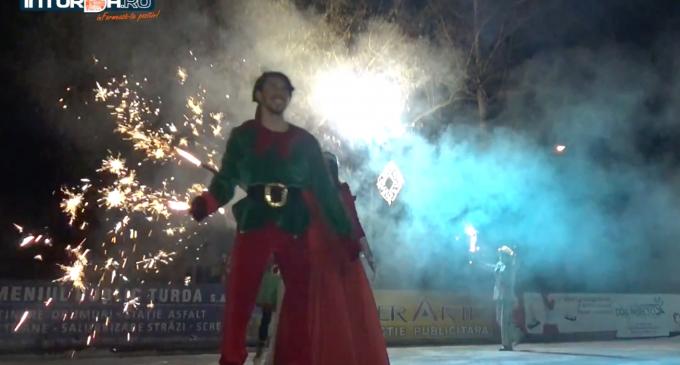VIDEO: Spectacol pe gheață la deschiderea patinoarului din Parcul Central Turda