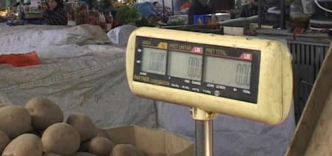 Politia Locala Turda – Acțiune de verificare a cântarelor din piețele agroalimentare