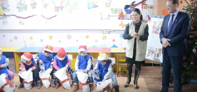 VIDEO: PSD Turda a adus zâmbetul pe fețele copiilor de la Grădinița Socială din Micro 3