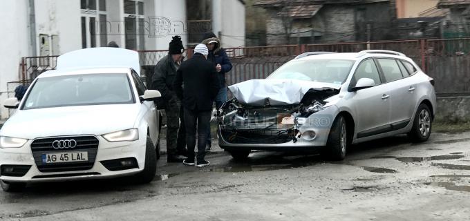 Foto: Accident rutier soldat cu rănirea unei persoane și avarierea a trei autovehicule