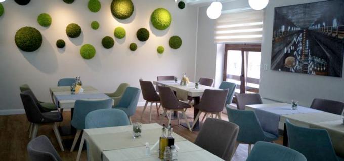 Vreți să luați masa în oraș, într-o atmosferă intimă și relaxantă? Restaurantul Hotelului Potaissa este alegerea perfectă
