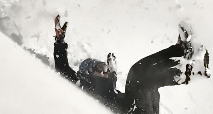 Foto: O echipă a Salvamont Cluj a participat la salvarea unui grup de turiști surprinși de  avalanșă