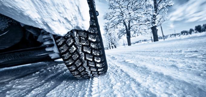 Sfaturi pentru șoferi: Cum să conduci autoturismul în sezonul rece