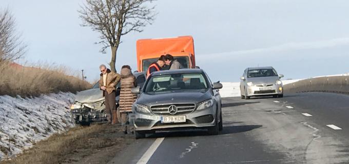 Foto: Accident pe DN1 la ieșirea din localitatea Tureni