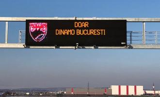 VIDEO: Fanii dinamoviști se distrează cu ajutorul panourilor electronice de pe autostrada Sebeș-Turda