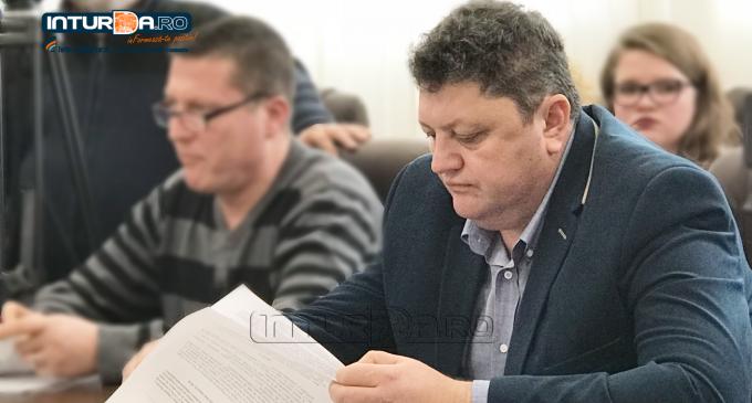 """Adrian Mischian: """"Dupa cum s-a sfarsit anul 2017, la fel a inceput si anul 2018, in ceea ce priveste organizarea sedintelor de consiliu local"""""""
