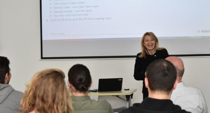 Bosch a iniţiat un curs de conducere autonomă la Universitatea Tehnică din Cluj-Napoca