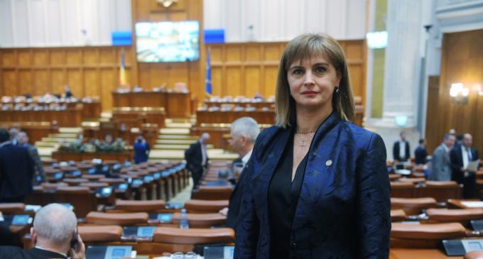 """Cristina Burciu: """"Programul Start-Up Nation, un real succes pentru tinerii întreprinzători români"""""""