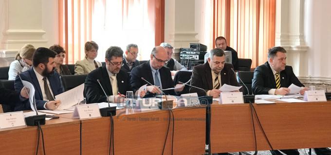 """Consilierii locali PNL Turda: Nu vom mai participa la ședințe """"de îndată"""" sau extraordinare, care nu respectă regulamentul de organizare și funcționare al Consiliului Local"""