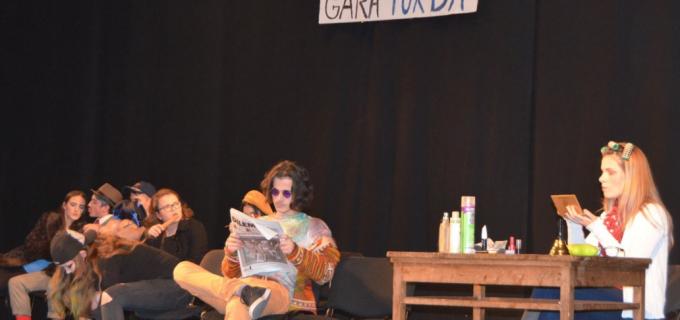 Elevii Colegiului Tehnic Turda pe scena Teatrului Aureliu Manea