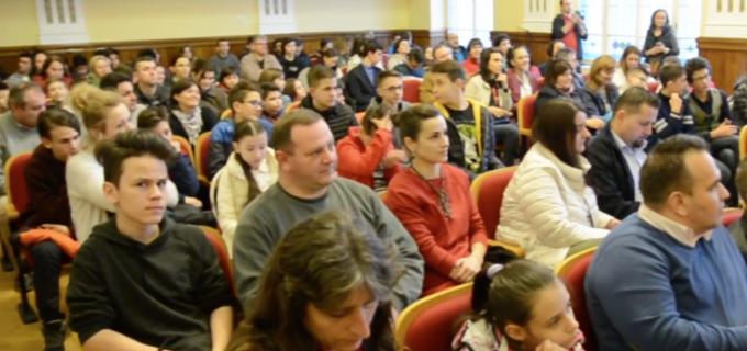 """VIDEO: Festivitatea de premiere – Concursul Interjudețean de Matematică și Informatică """"Marian Țarină"""". Vezi AICI listele cu rezultatele:"""