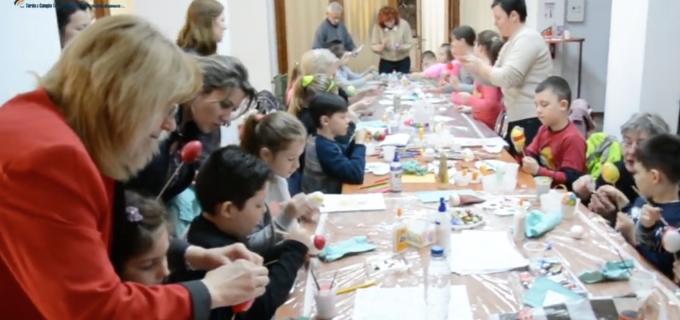 VIDEO:  Ateliere de creație cu ocazia Sărbătorilor Pascale, la Câmpia Turzii