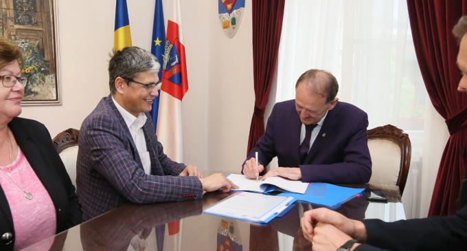 VIDEO: A fost semnat contractul de finanțare europeană pentru modernizarea a 20 de străzi în Băile Turda!