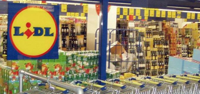Lanțurile de supermarketuri anunță noi măsuri de protecție în toate magazinele, pentru angajați și clienți, în contextul COVID-19