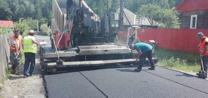 Au fost finalizate lucrările de asfaltare pe drumul judetean 107J Valea Ierii – Caps – Cerc