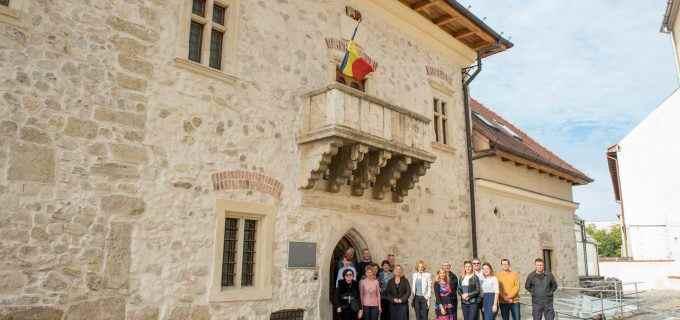Muzeul de Istorie Turda are plăcerea de ooferi intraregratuitătuturorelevilor, cu ocazia Zilei Naționale a Culturii