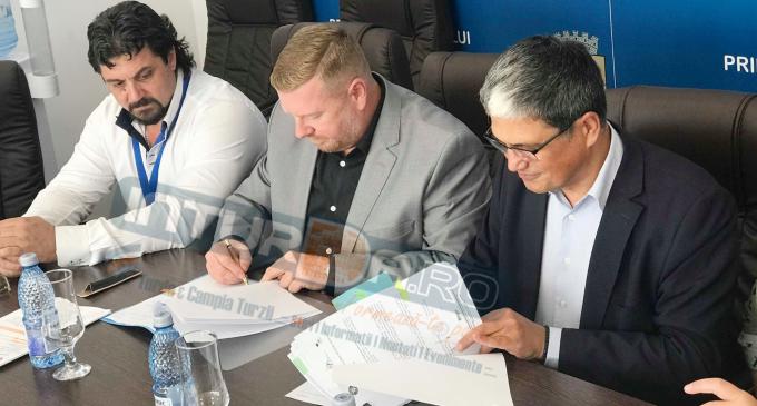 VIDEO: A fost semnat proiectul de finantare europeana privind reabilitarea termică a Liceului Pavel Dan