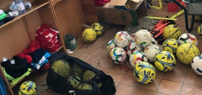 Foto: Realitatea din vestiarele echipei de fotbal Sticla Arieșul Turda