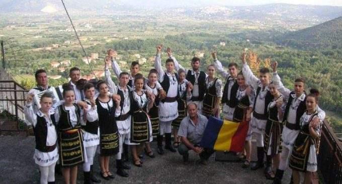 """Un sfert de veac de activitate neîntreruptă la Ansamblul Folcloric """"Ardeleana"""""""