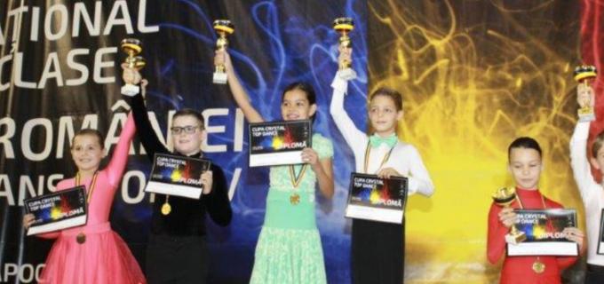 Dansatorii turdeni au participat la Campionatul National de Clase și la Cupa Crystal Top de la Cluj-Napoca