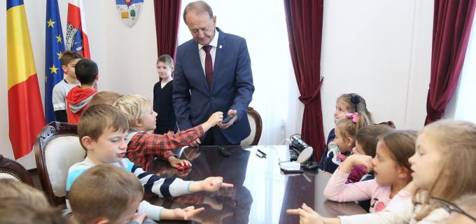 Primăria Municipiului Turda a primit vizita elevilor din clasa zero în cadrul programului ȘCOALA ALTFEL