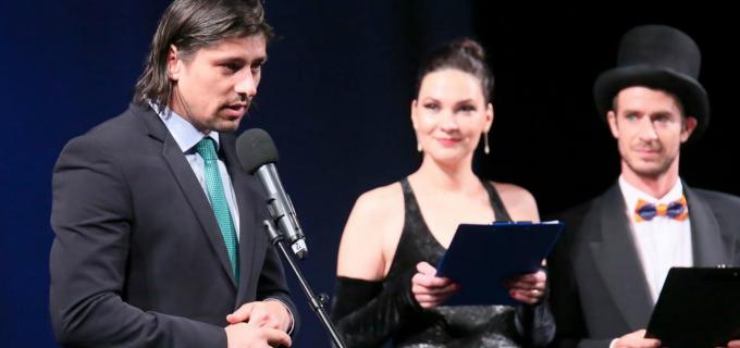 Teatrul Aureliu Manea – Gala 70. Matei Cristian il felicita pe Cătălin Grigoraș și întreaga echipă pentru munca depusă