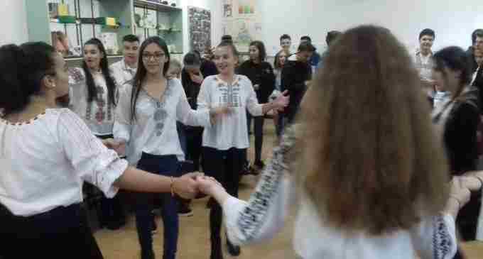 """Liceul Teoretic """"Liviu Rebreanu"""" Turda, manifestări dedicate Centenarului"""