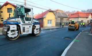 Încă o stradă asfaltată în municipiul Turda