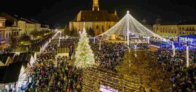 Targul de Craciun din Cluj si-a deschis portile
