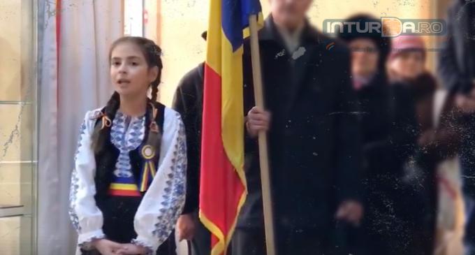 Un glas de înger a interpretat Imnul National al României, la Câmpia Turzii: Ștefania Petric