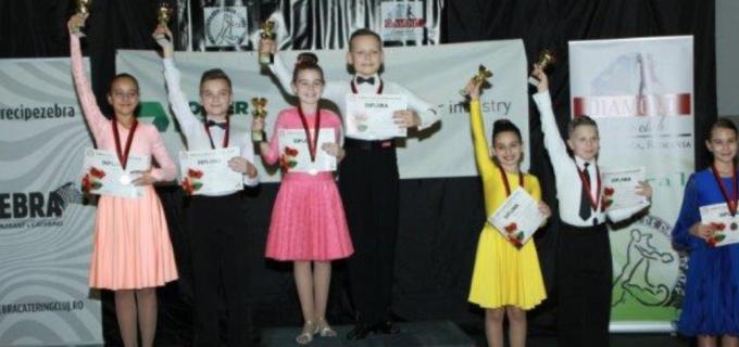 Dansatorii turdeni au cucerit 15 medalii la competitia de la Cluj