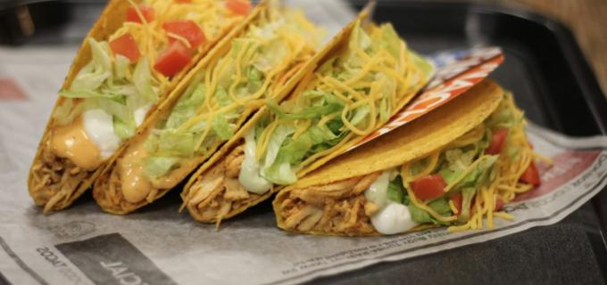 Restaurantul Taco Bell se deschide sâmbăta aceasta la Iulius Mall