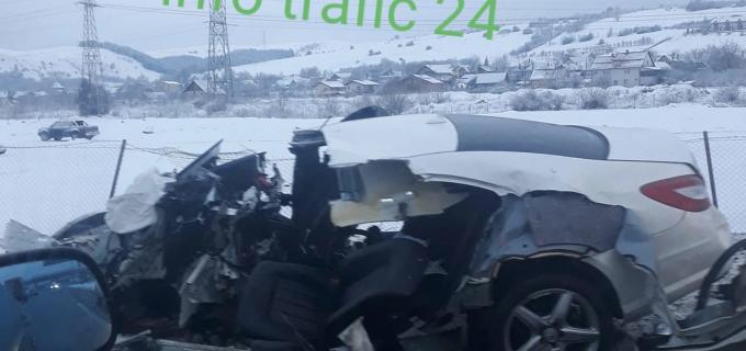 Foto/Video: Accident mortal la intrare in Cluj-Napoca. O tânără de 20 de ani a decedat, șoferul a fost rănit grav