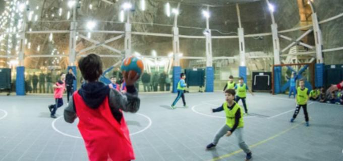 Traditia continuă! Meci demonstrativ de mini-handbal în Salina Turda